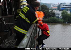 20140914A_osoba na mostě_Kostik08