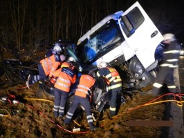 4-Dopravni-nehoda-OA-a-NA-Zarybnicna-Lhota-5-3-2015-4