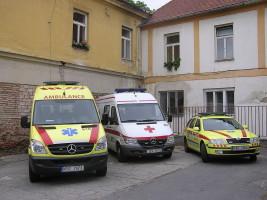 1280px-Zdravotnická_záchranná_služba_Jihomoravského_kraje_Znojmo_ambulance