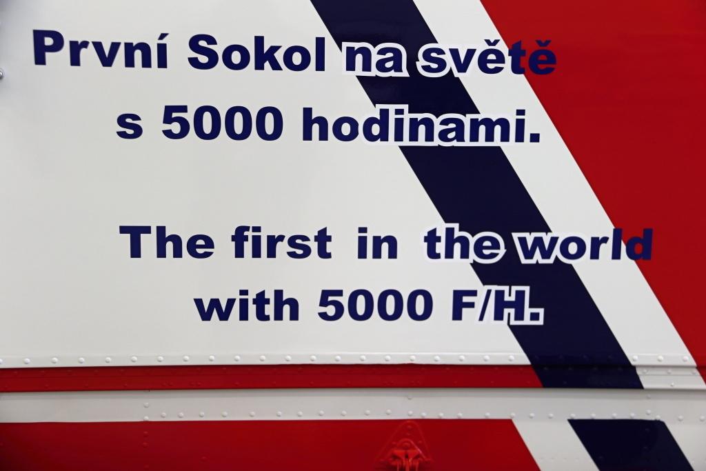 sokol-s-naletem-5000-hodin-je-svetovy-unikat