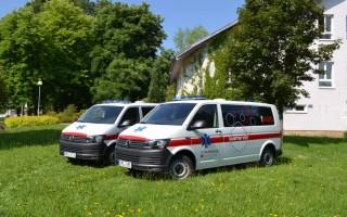 dvojice-novych-sanitek-podhorske-nemocnice